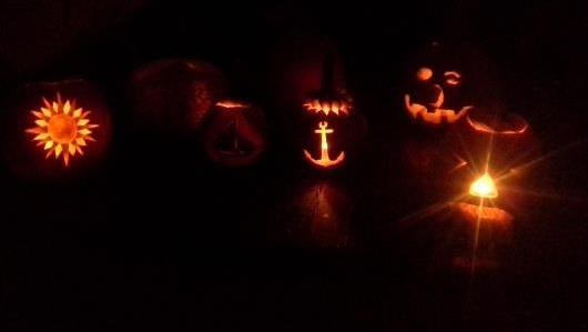 Jack-o-lanterns on deck